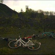 Vélos au bas du terril